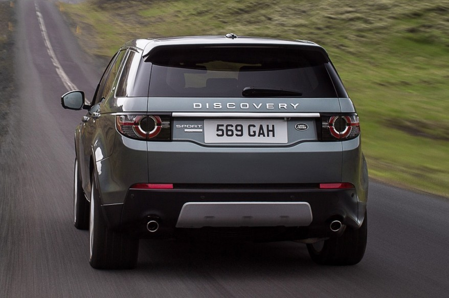 2015_land_rover_discovery_sport_overseas_04-0903-m-930x584