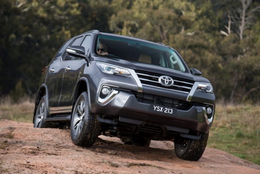 2016_toyota_fortuner_official_04-0716-m-930x584