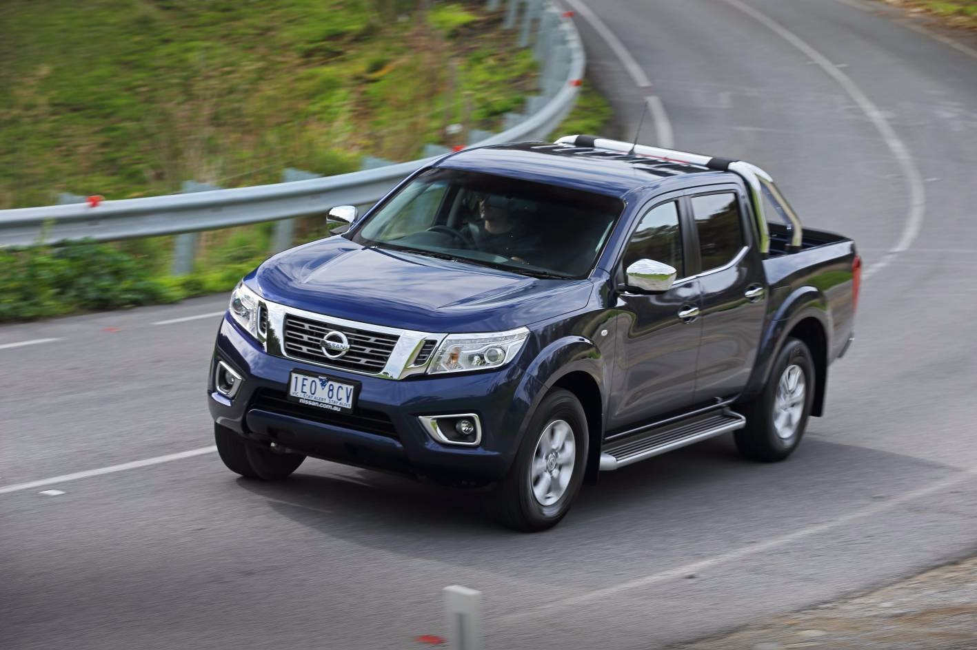2016 nissan navara st review loaded 4x4. Black Bedroom Furniture Sets. Home Design Ideas