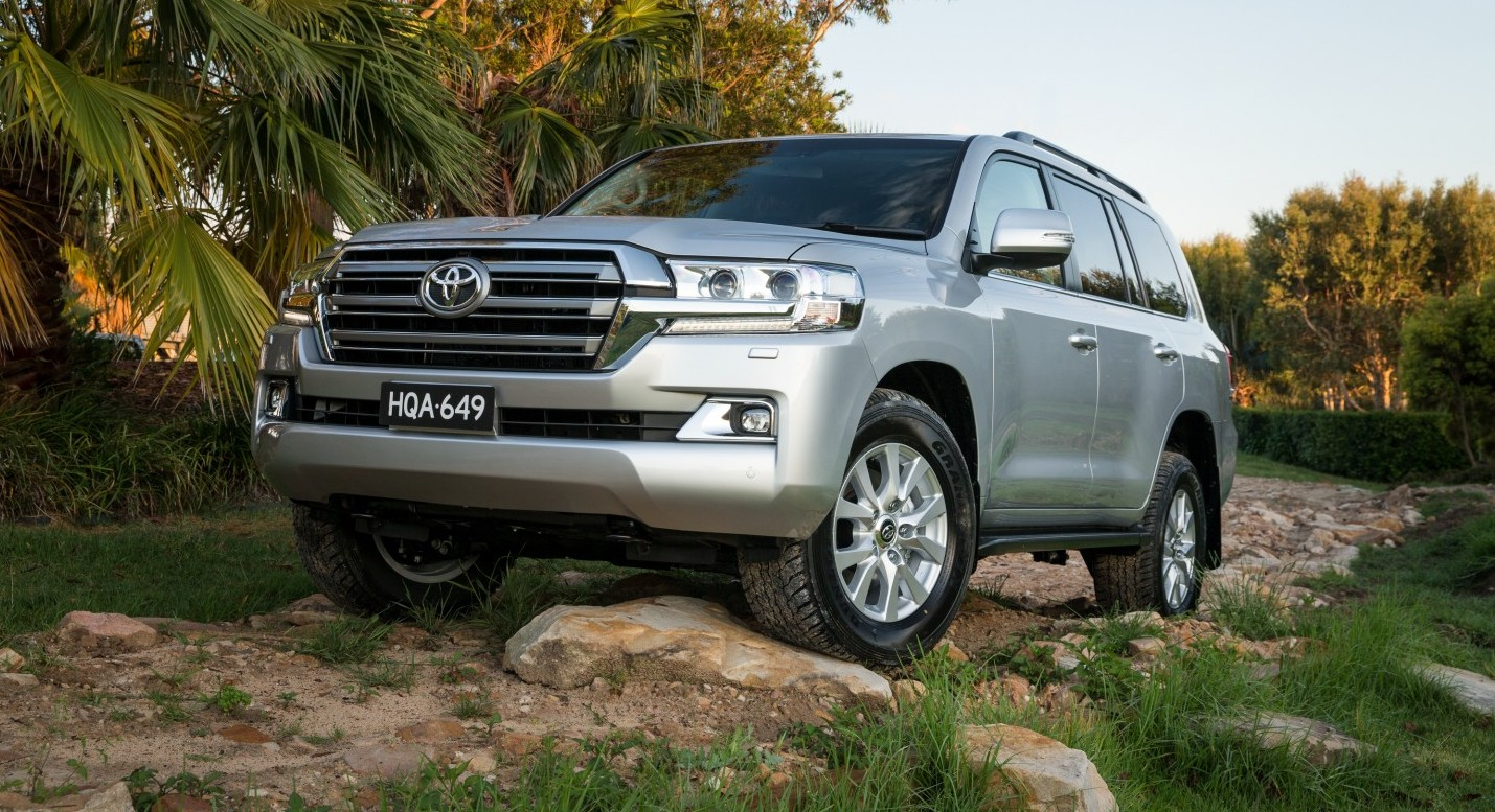 2016 toyota landcruiser 200 series vx review loaded 4x4. Black Bedroom Furniture Sets. Home Design Ideas