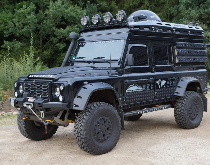 A_110_Defender_with_Portale_Axles