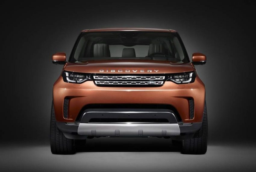 2017-land-rover-discovery-D5-001