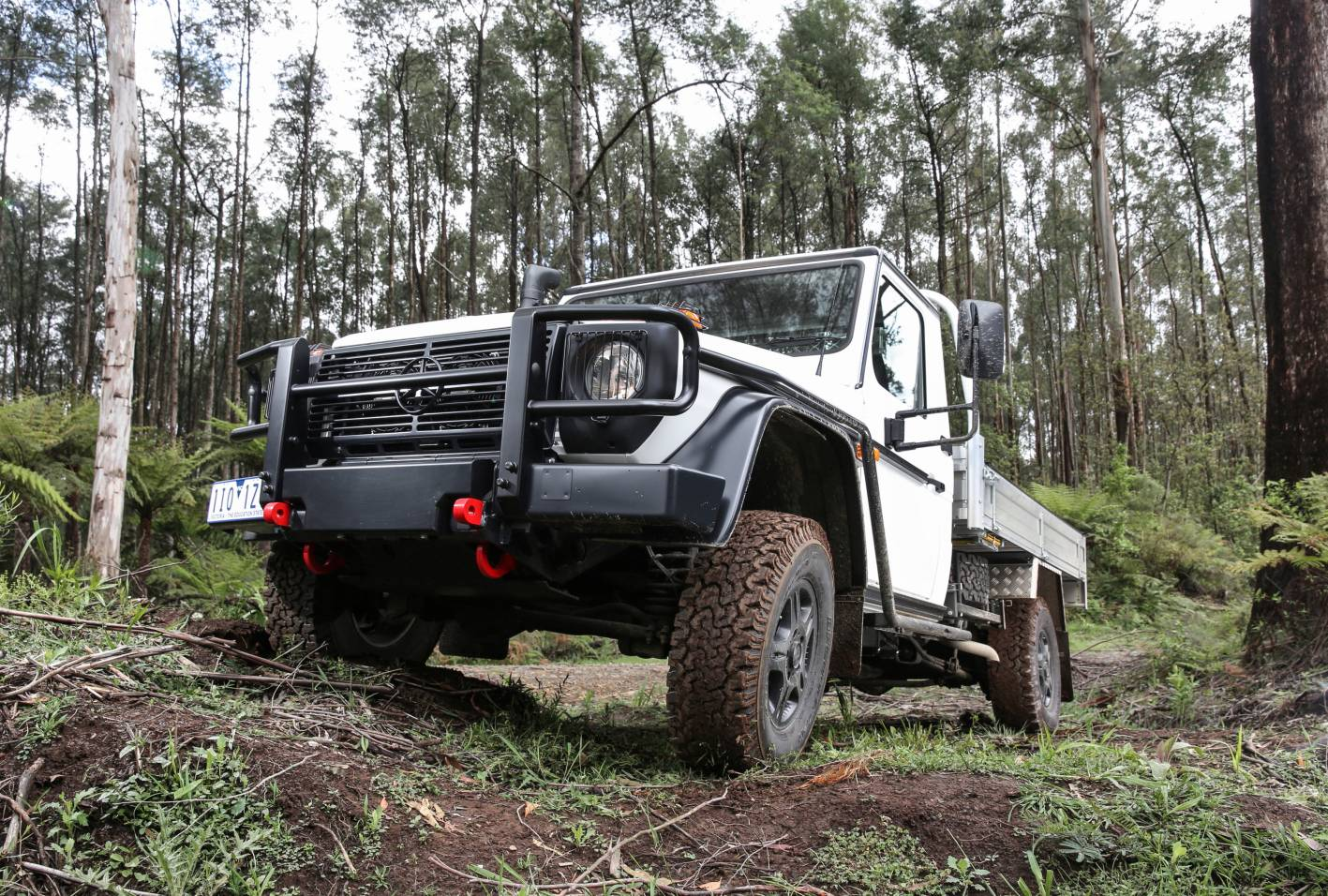 2017-mercedes-benz-g-wagen-professional-cab-chassis-002